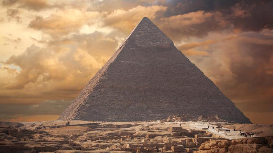 ¿Un trono 'extraterrestre' en la Pirámide de Keops?