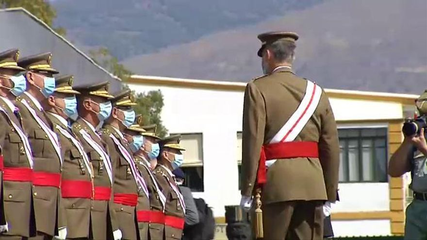 """Felipe VI traslada su """"cariño y admiración"""" a la Legión"""