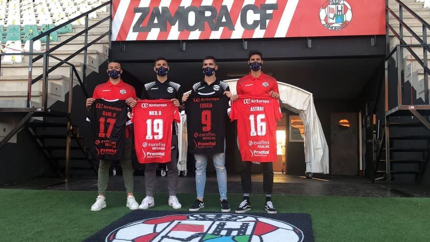 El Zamora CF presenta sus cuatro caras nuevas antes del duelo ante el Racing de Ferrol