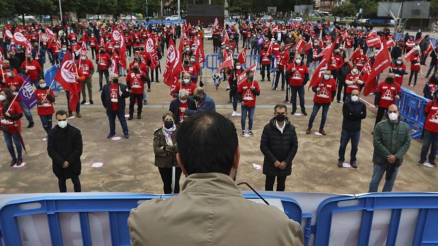 Los sindicatos alertan: Asturias va camino de convertirse en un páramo industrial