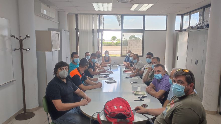 Los trabajadores de Pilkington urgen a evitar el cierre en Sagunt