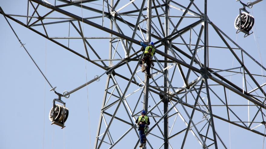 640.000 abonats sense llum a tot Catalunya per una incidència a Red Eléctrica