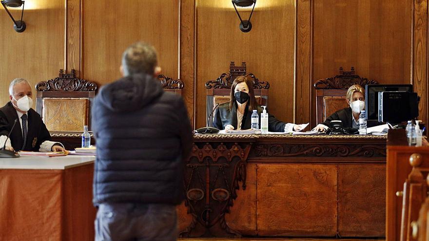 El médico acusado de cobrar por certificar defunciones niega cualquier tipo de pagos