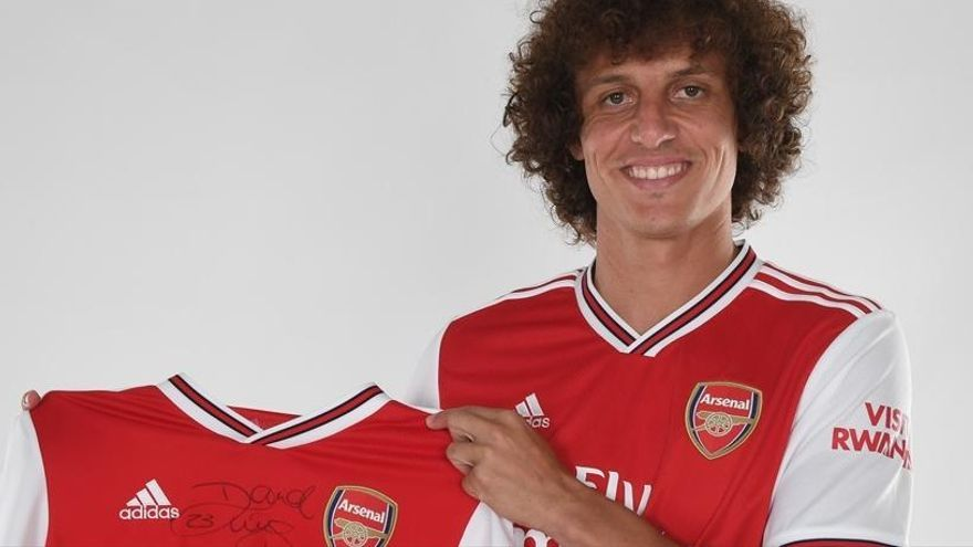 El Arsenal ficha a David Luiz