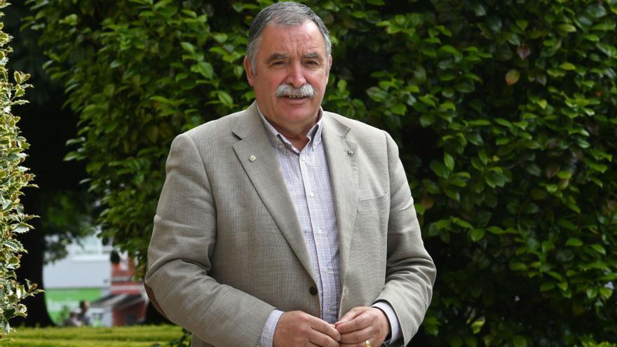 "Seoane llama ""cretino"" al alcalde de Vigo al faltar a la entrega de banderas azules"