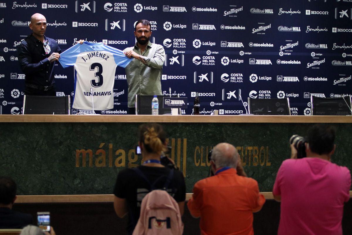 Presentación del nuevo jugador del Málaga CF Javi Jiménez