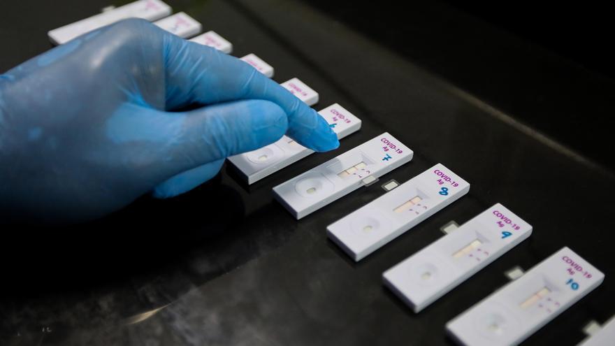 Adquieren 8.800 pruebas de antígenos para el control turistas en el aeropuerto de València