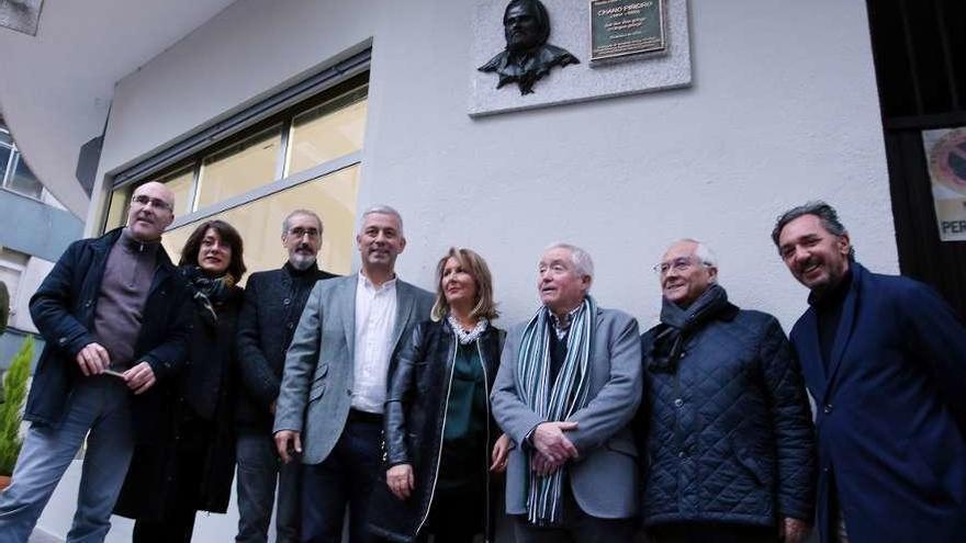 Descubren una placa en la casa del cineasta vigués Chano Piñeiro