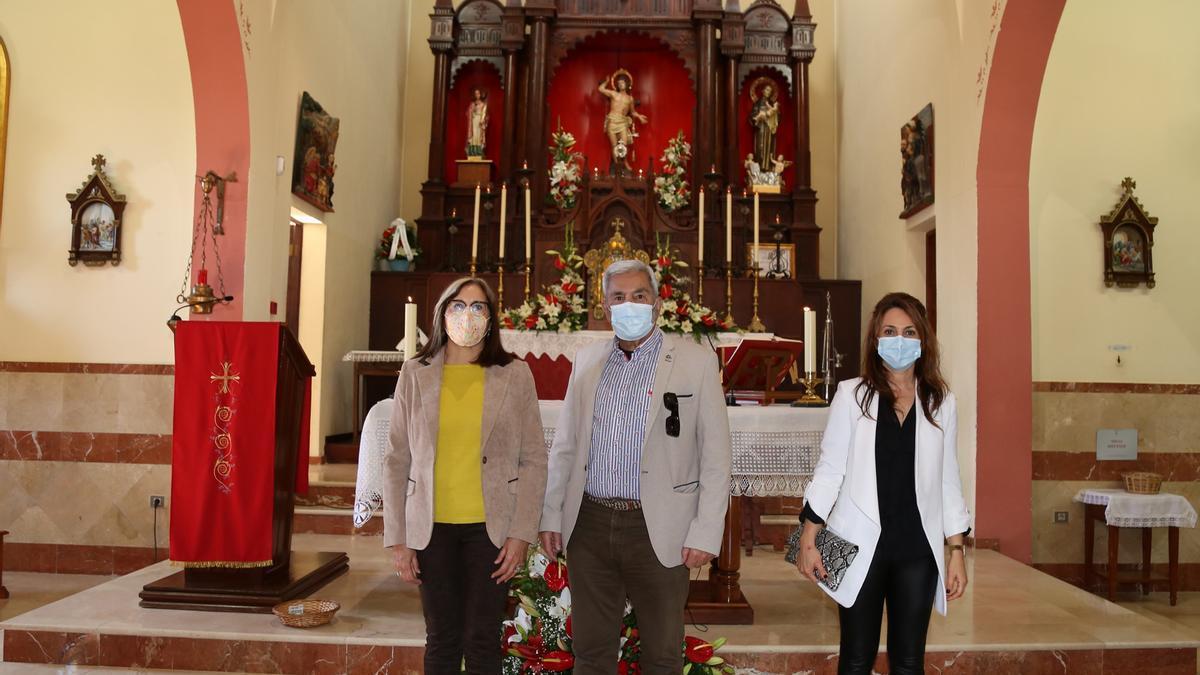 Autoridades municipales asistieron a la primera de las misas celebradas en honor de San Sebastián.
