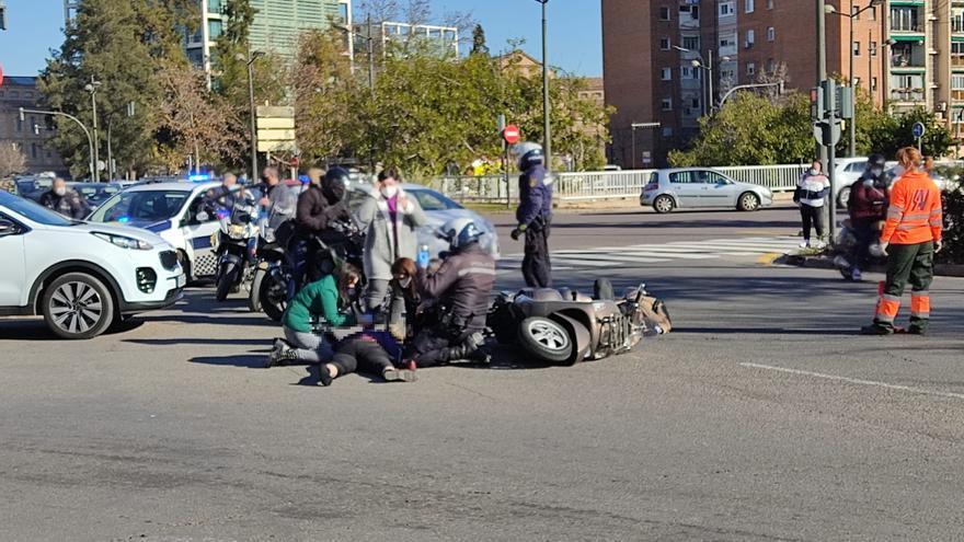 Un accidente de moto en la avenida del Cid deja dos heridos en València