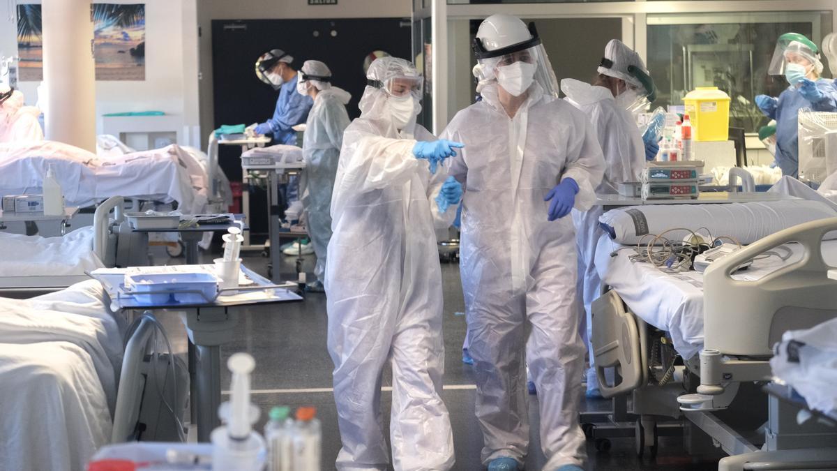 Estado que presenta la UCI del Hospital de Elda ante el incremento de casos graves de covid-19.