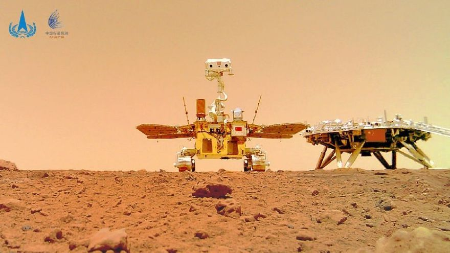 China comparte una imagen del suelo de Marte recogida por su robot Zhurong