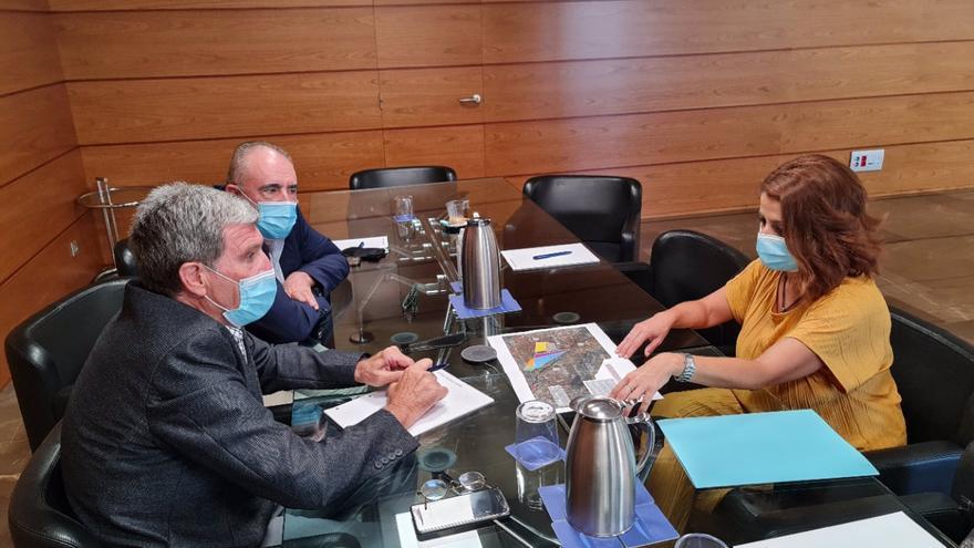 Teruel y la Autoridad Portuaria de Valencia estudiarán la posibilidad de que la ciudad almacene mercancías