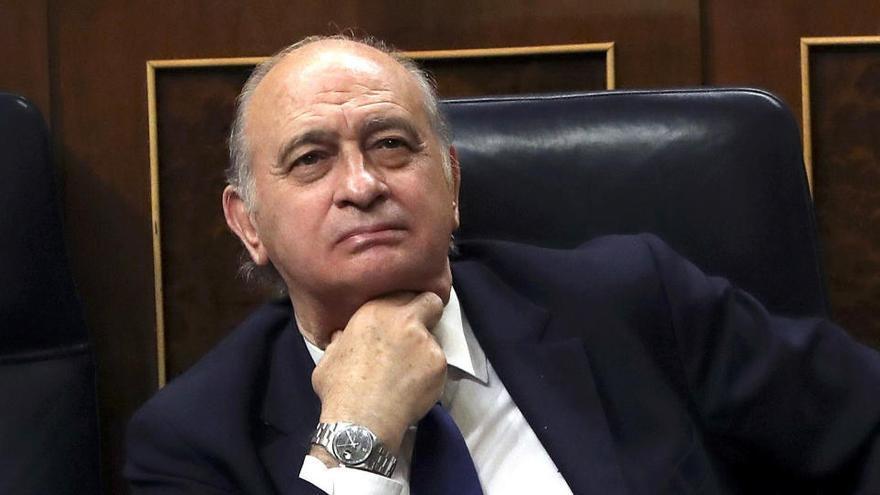 El juez cita a los notarios para ver si se alteraron mensajes de Fernández Díaz