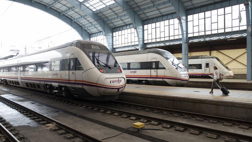 Renfe incrementa su oferta de plazas en los trenes entre A Coruña y Vigo durante el próximo curso