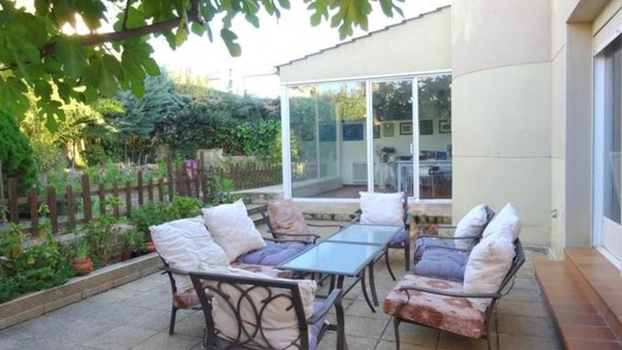 ¿Buscas una casa con patio, terraza o jardín en Cáceres? La tenemos