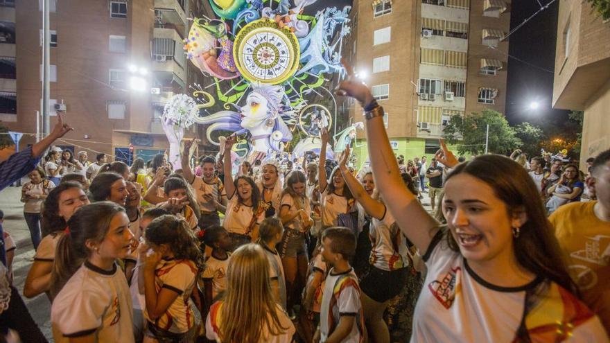 9.000 pasajeros utilizaron la línea de autobús gratuita a las hogueras Especiales