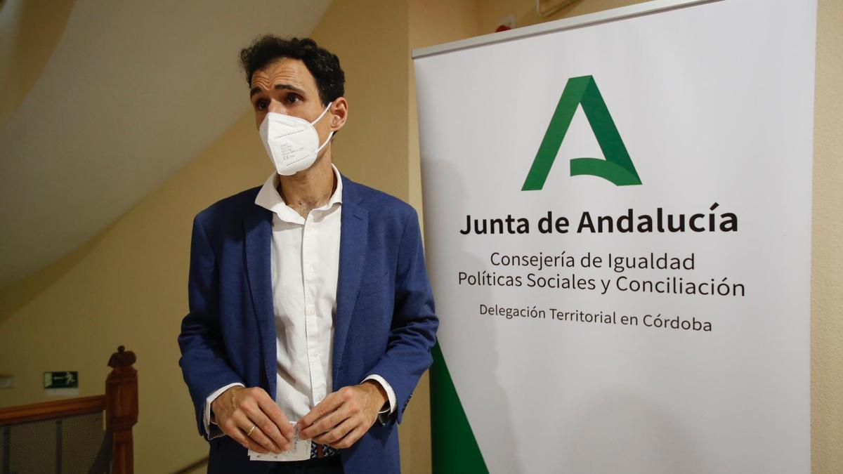 Antonio López, en la presentación del congreso internacional Lgtbi organizado en el 40º aniversario de la despenalización de la homosexualidad.