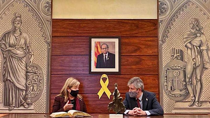 La consellera de Cultura en funcions, Àngels Ponsa, visita Solsona i Cardona
