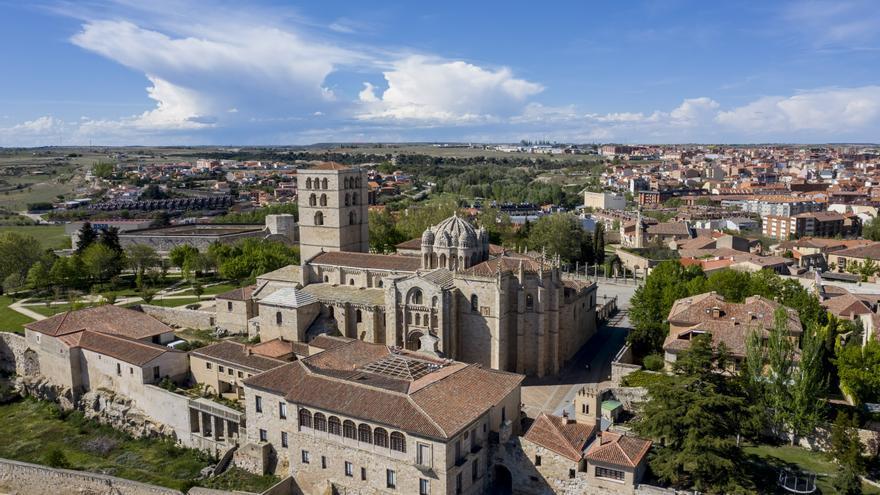 La Catedral de Zamora acoge una conferencia sobre las últimas intervenciones en el templo