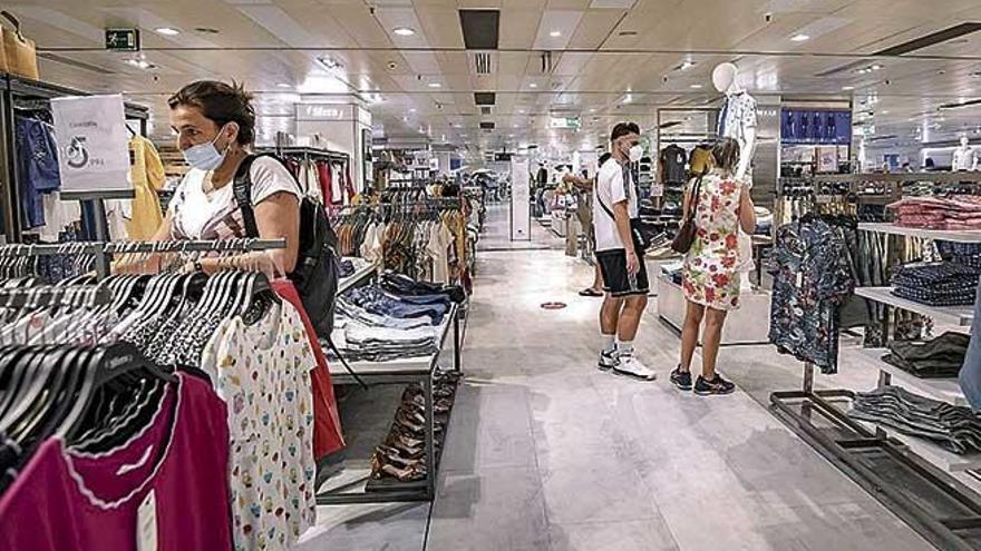 Funcas prevé que en Baleares el desplome  del PIB alcance el 11,3%