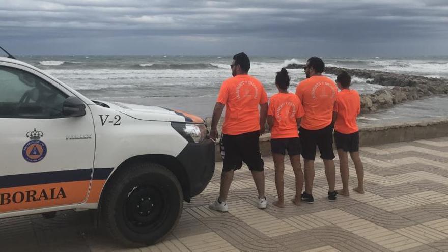 El equipo de socorristas de Port Saplaya rescata a cinco personas