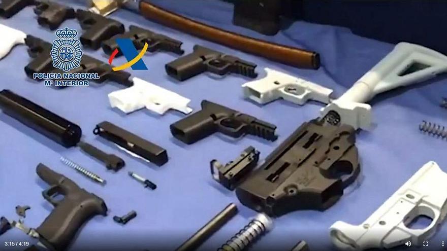 """El hombre que fabricaba armas con una impresora 3D en Tenerife era """"un vecino casi invisible"""""""
