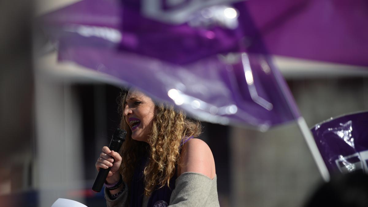 Una mujer en la manifestación por el Día Internacional de la Mujer el año pasado en Málaga.