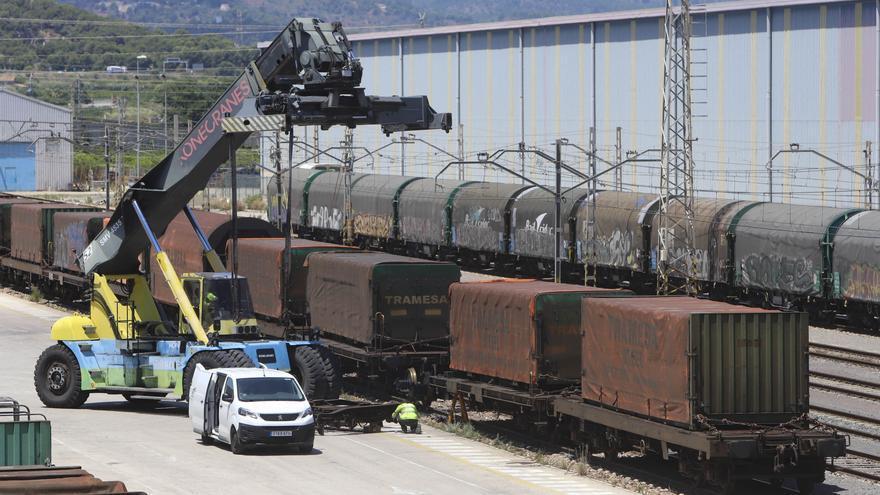 El azulejo de Castellón apuesta por potenciar el tren para ser más competitivos