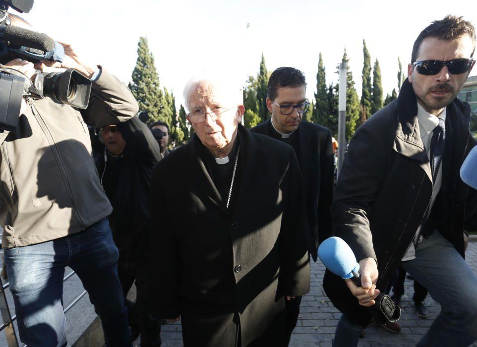 El Cardenal Antonio Cañizares ofició la misa en la capilla del tanatorio