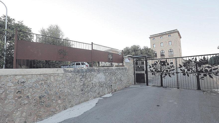 Sigue en estado grave el cocinero herido en una explosión en un colegio de Palma