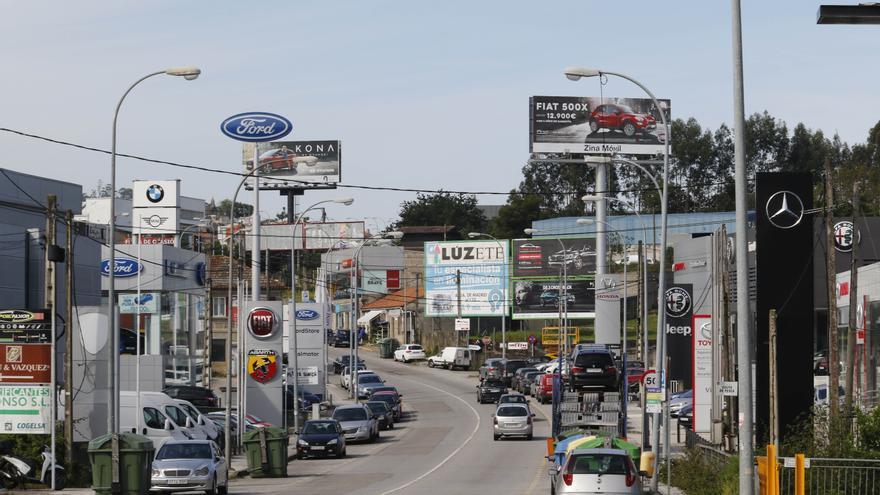 Suplanta la identidad de una empresa de compraventa de coches de Vigo y estafa 4.000 euros a una mujer