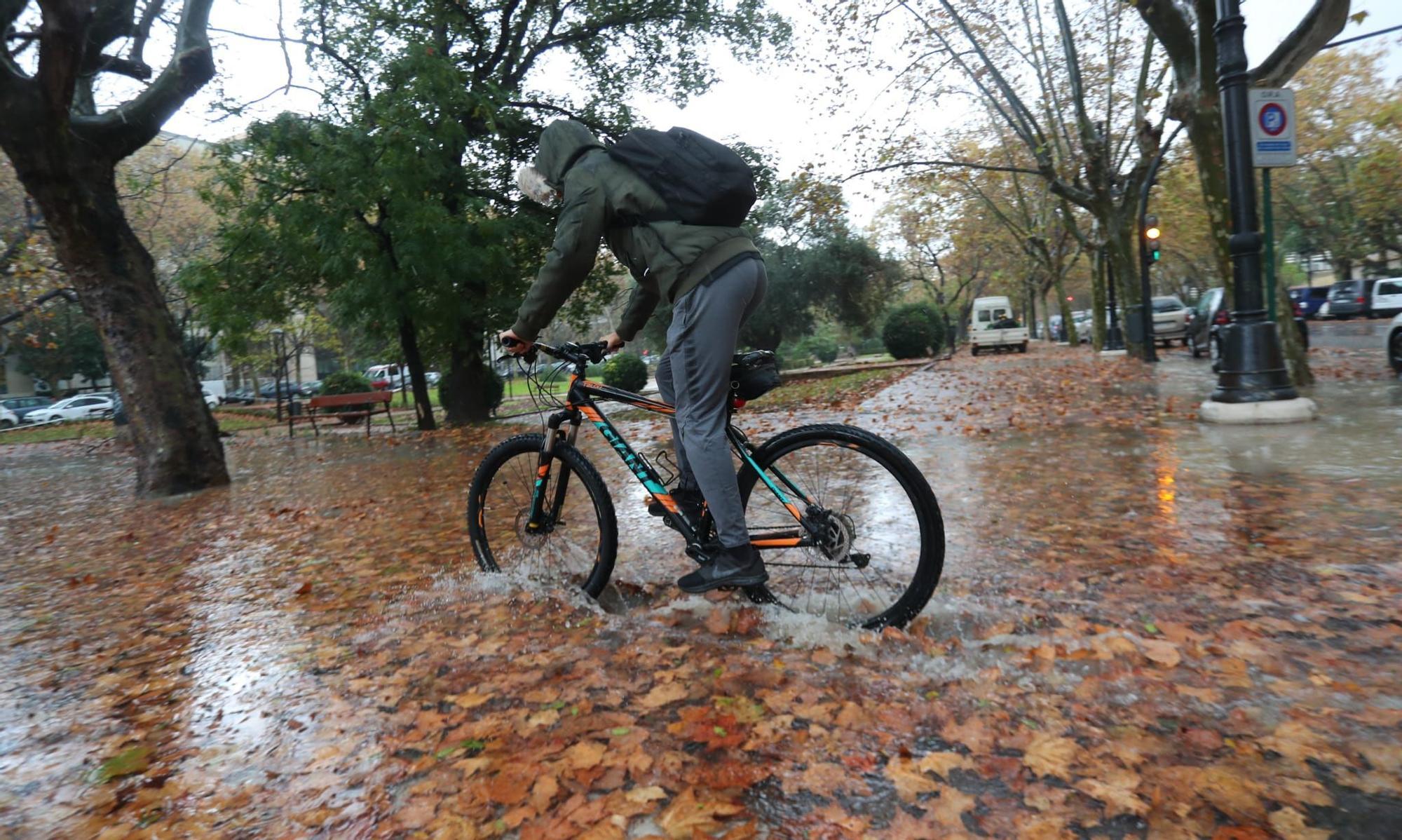 FOTOS | El temporal de lluvia y granizo en València