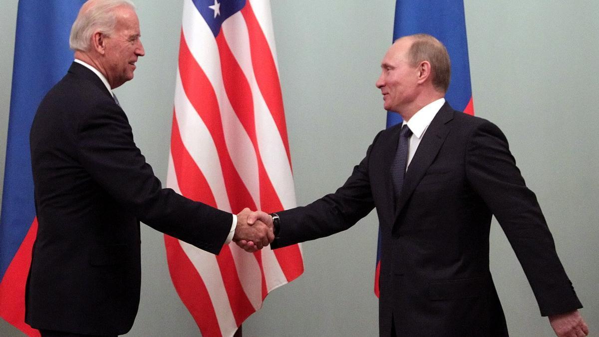 Joe Biden y Vladímir Putin, en una foto de archivo.