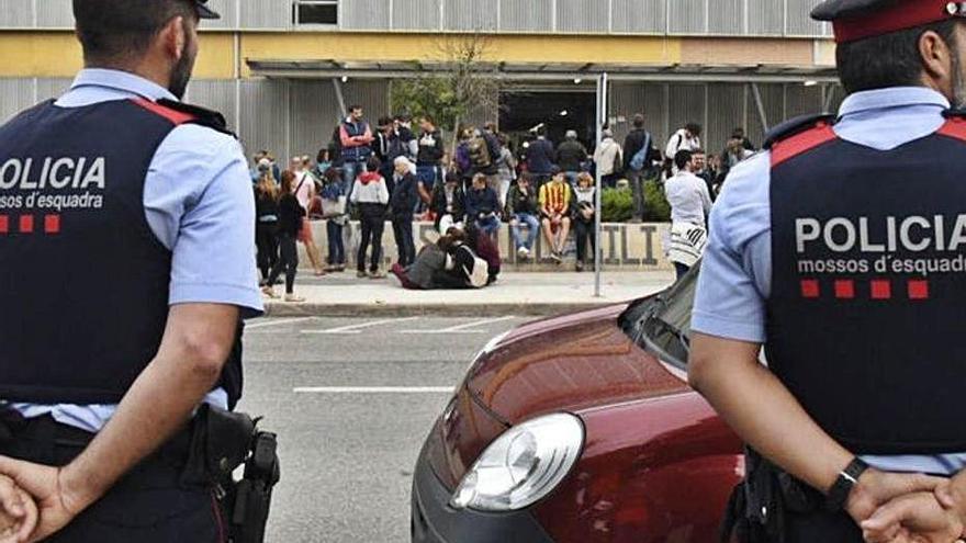 La justícia torna a posar els Mossos sota la lupa per la gestió de l'1-O