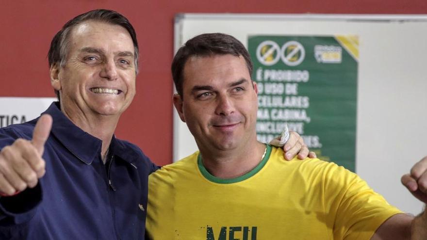 La Fiscalía denuncia a un hijo de Bolsonaro por corrupción