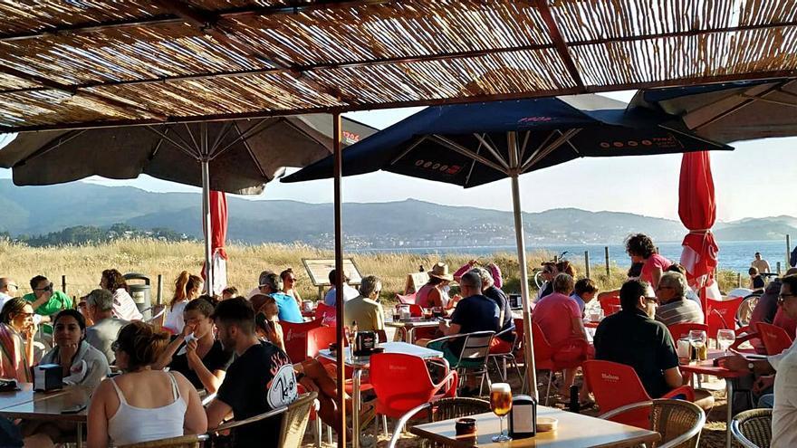 El chiringuito en Praia América sale a 4.800 euros/mes
