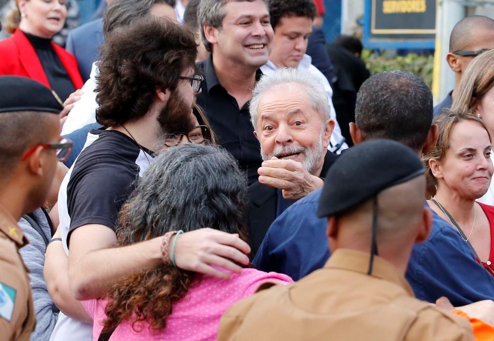 Lula sale de la cárcel 1 año y 7 meses después