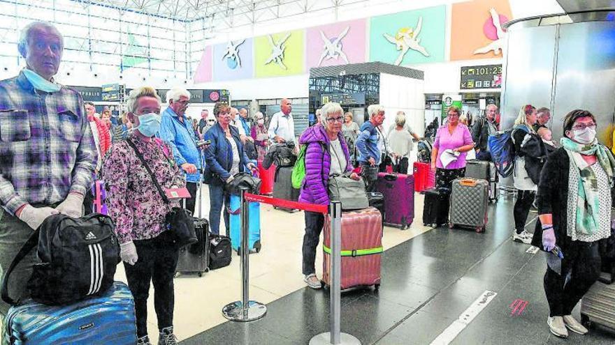 Los nórdicos diseñan su retorno a Canarias para la temporada alta turística