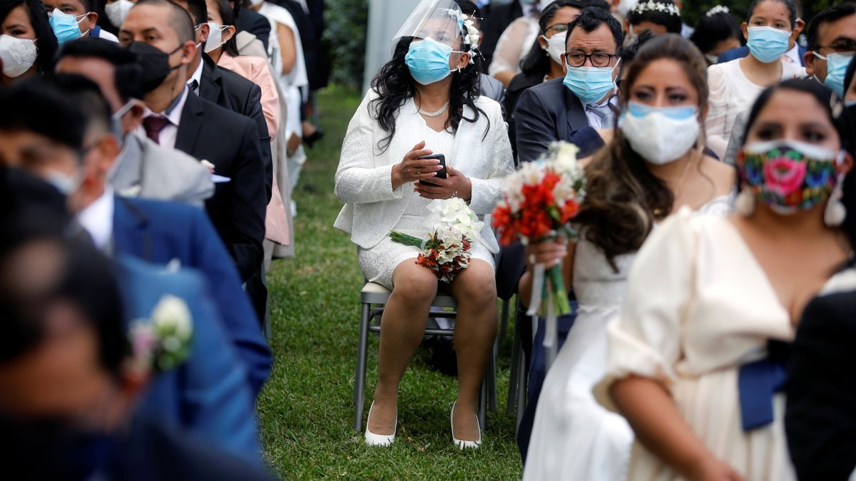 Asistentes a una boda en Lima la semana pasada.