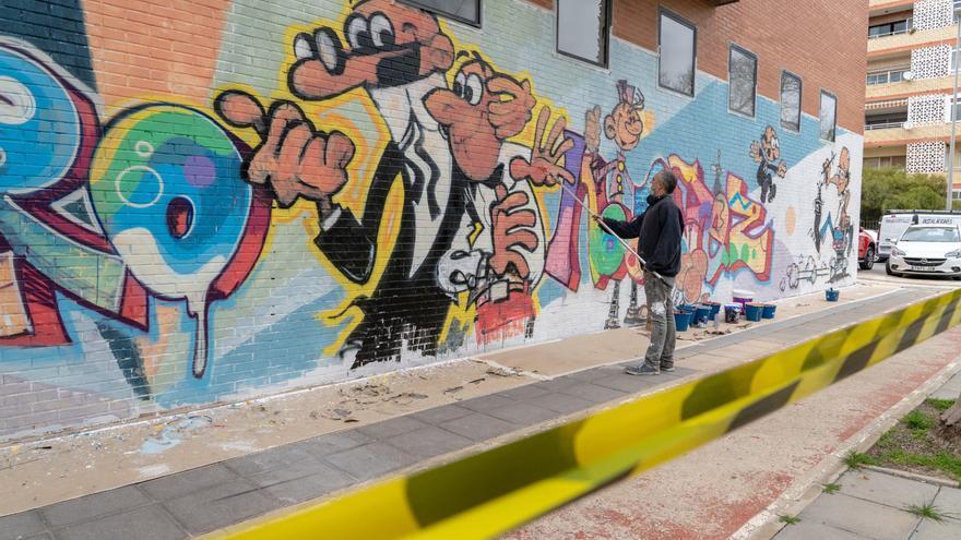 Cartagena homenajea a Ibañez con un grafiti en la fachada del Luzzy