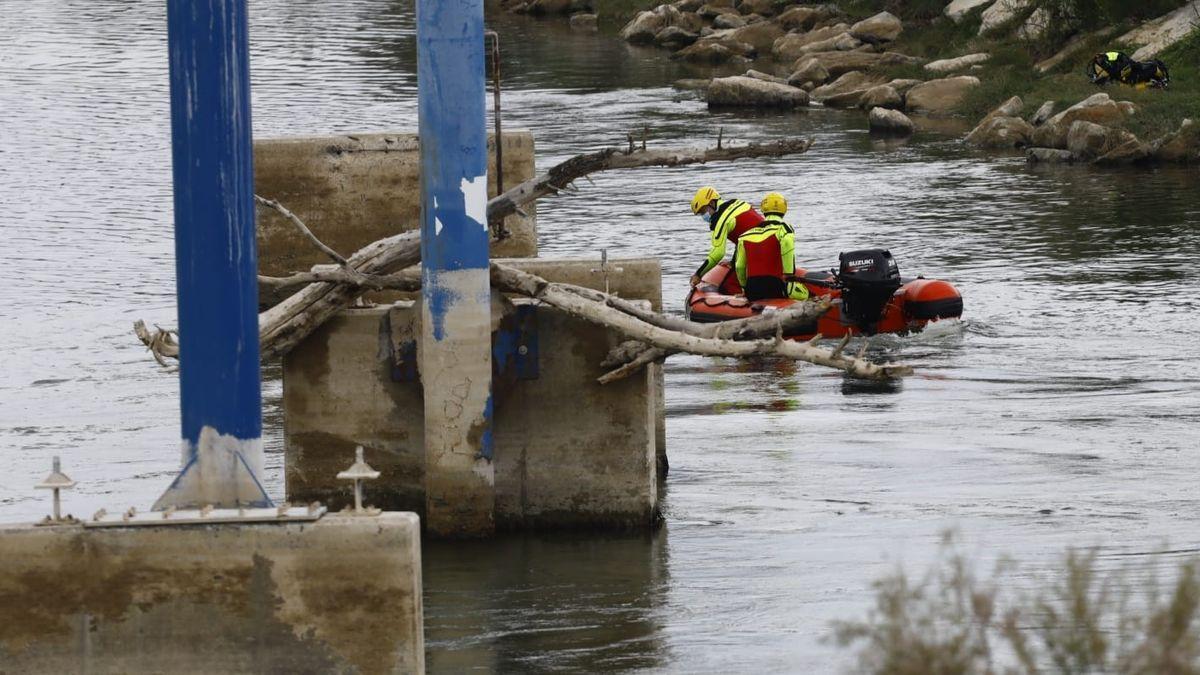 Dispositivo de búsqueda del menor de 13 años en el Ebro.