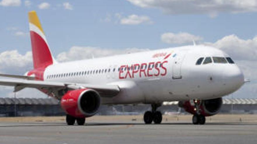 Iberia Express aumentará sus operaciones en Canarias la segunda semana de junio