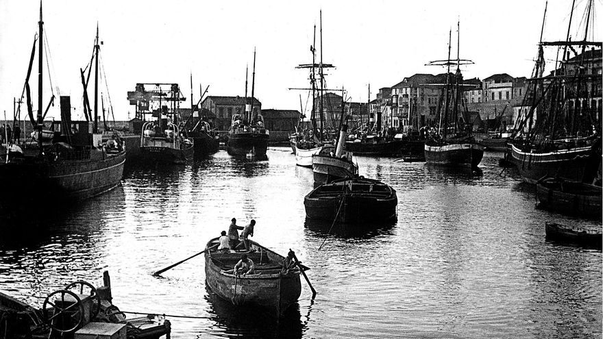 Un presente que repite el pasado y merma el futuro: del debate sobre el puerto en el siglo XIX a la intermodal