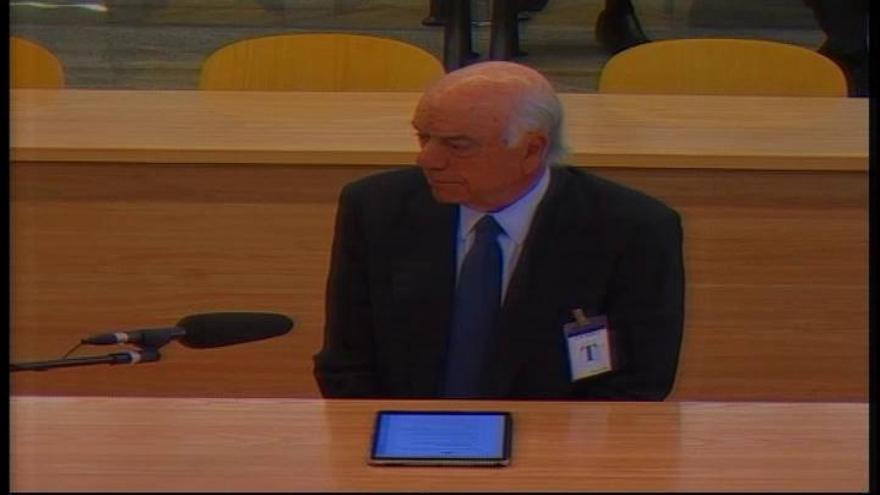 Francisco González dice que sugirió a Rato que dimitiera como presidente de Bankia