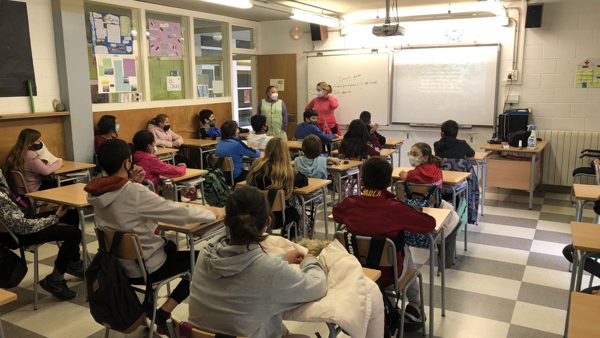 Una aula de l'IES Caritat Serinyana de Cadaqués