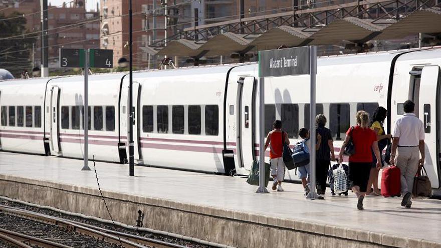 Esquerra Republicana lleva al Senado la falta de inversiones en la línea de cercanías Alicante-Murcia