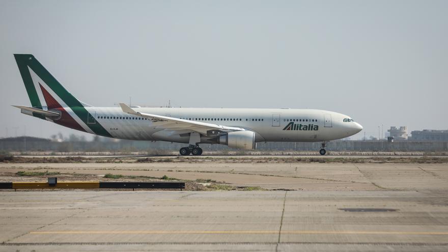 Alitalia deja de operar y cancela todos sus vuelos a partir del 15 de octubre