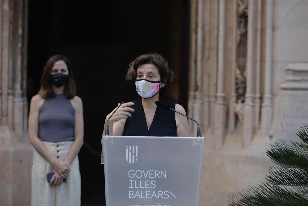 La ministra Ione Belarra firma en Palma con la presidenta Francina Armengol el convenio de transferencia de los fondos del plan de recuperación