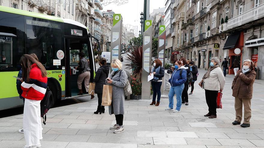Los autobuses de Vitrasa, desbordados en Vigo durante las horas punta